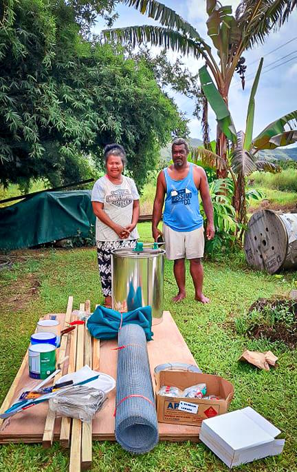 Pacific Islands beekeeping paupa new guinea women