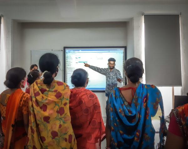 digital literacy women gender barefoot college