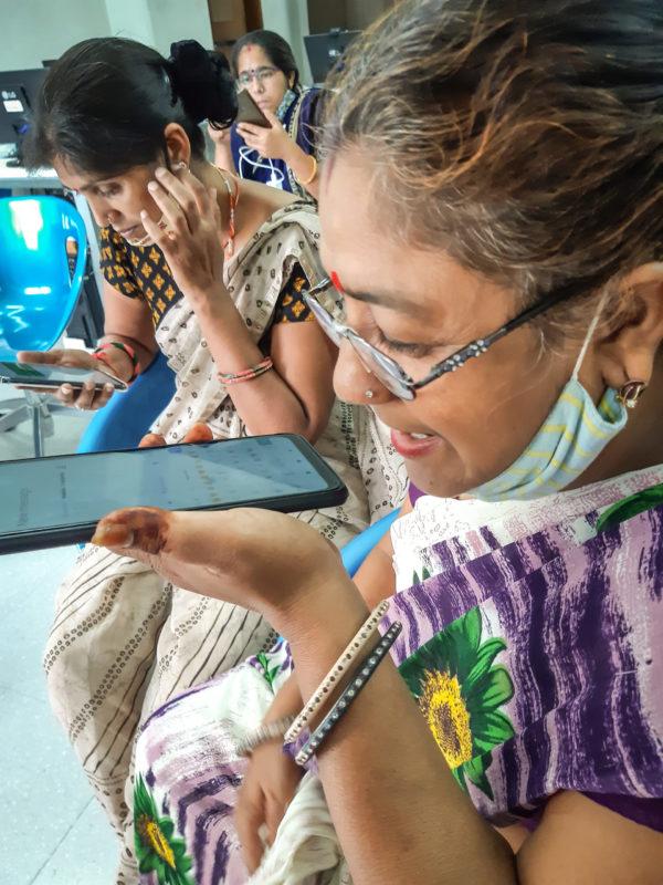 digital literacy women gender barefoot college mobile phone